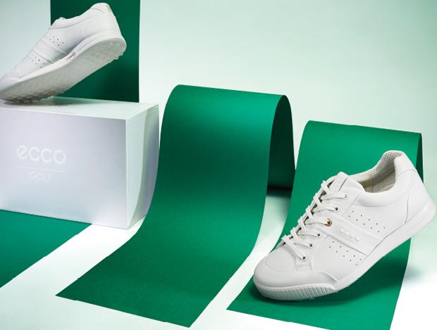 안정적인 착용감과 균형감을 선사하는 하이브리드 골프화