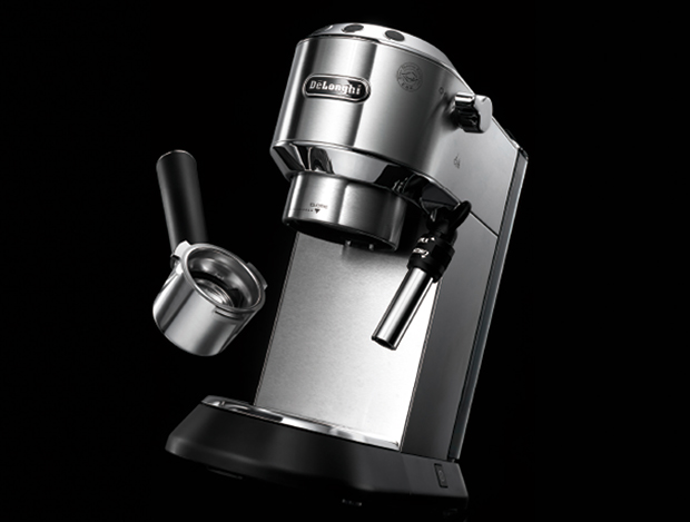 핸드드립의 손맛과 기계의 장점을 모은 커피머신