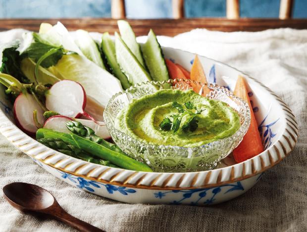 텃밭 채소를 이용한 테이블
